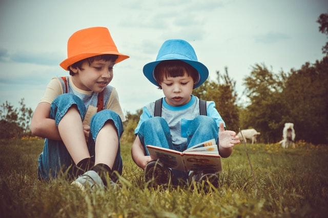 kids reading together
